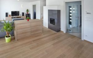 Painting kitchen parquet flooring