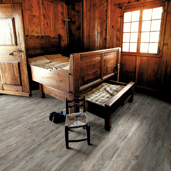 Laminate flooring 3245 OAK HISTORIC SWPNOB3245/4